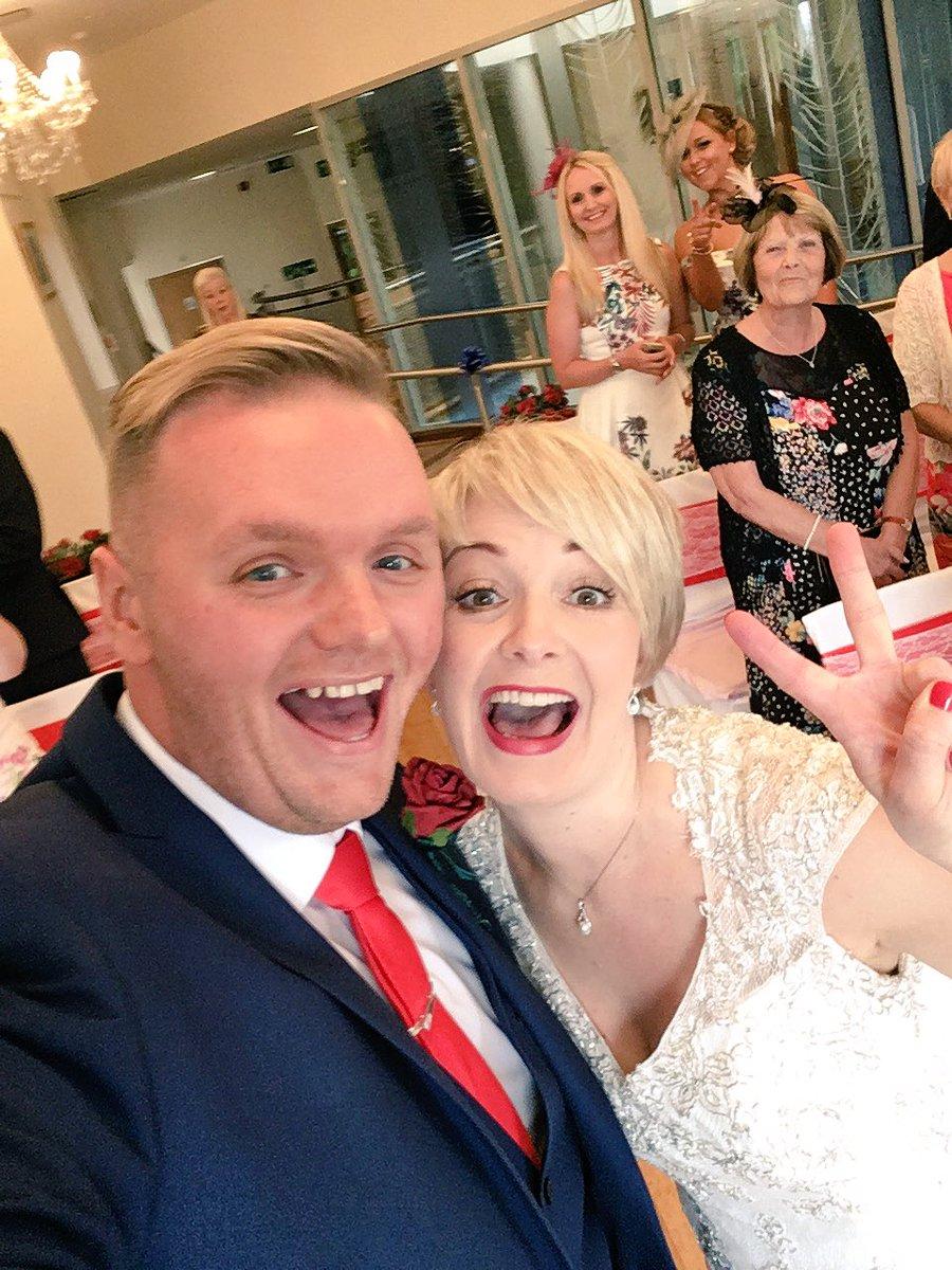#WeddingDay if this gets 100 RT's I'll do my wedding dance in my pants. https://t.co/jFe5WBShNo