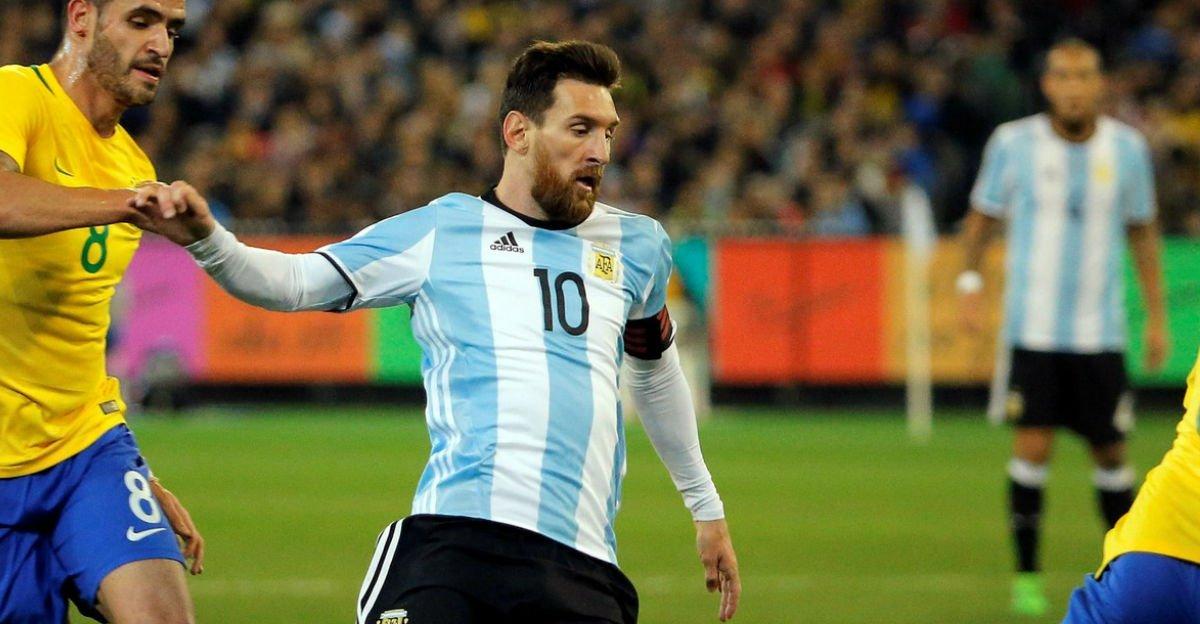 Sampaoli convoca Argentina com Messi e Dybala, e deixa Higuaín fora https://t.co/KuZYXiQkZ4