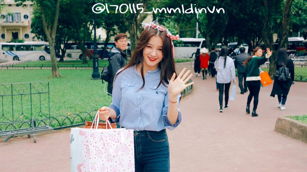 170115 MOMOLAND fanmeeting in Hanoi, Vietnam  Please take out with full credit. Thank you~!  #MOMOLAND #모모랜드 #NANCY #낸시 @MMLD_Official<br>http://pic.twitter.com/DLzSQQHtdT