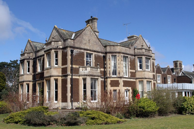 Holidays With A CeilingHoist Park House Hotel Sandringham Norfolk More Info On CHuC Website Owly NW4Q306lZVS LCDParkHousepictwitter
