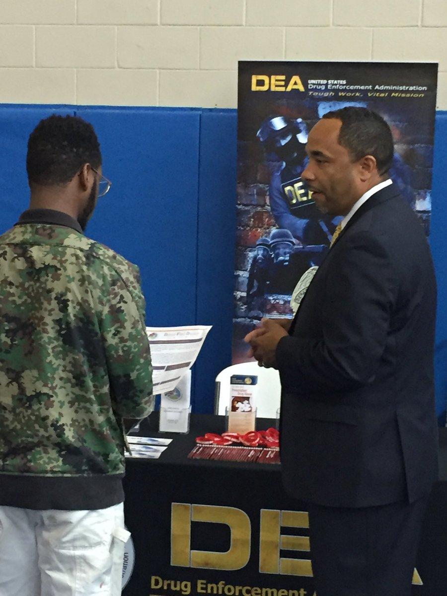 deadetroit on twitter deadetroit special agent chris taylor recruiting flint mi the genesee county job corp center vitalmission