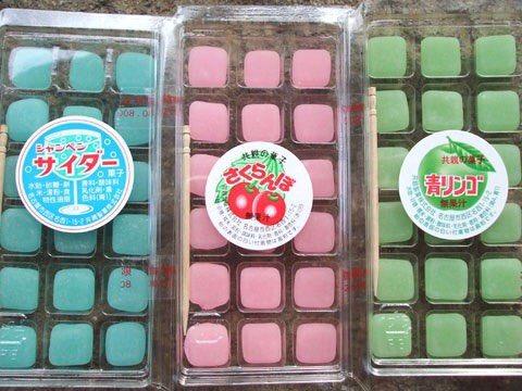 駄菓子のフルーツ餅がスマホに進化してた https://t.co/YOydO069CV