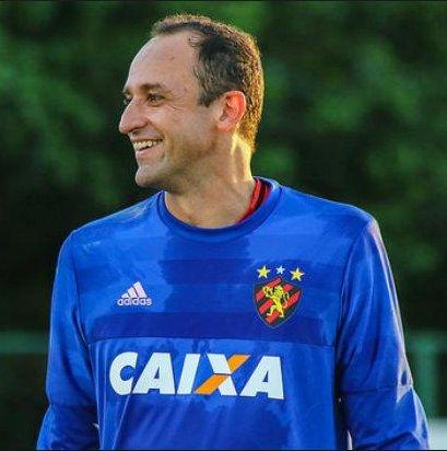 FINAL: quem é o melhor goleiro do Brasil? 🇧🇷  RT = Magrão 🔃 Curtir = Vanderlei ❤️  #NossoFutebol
