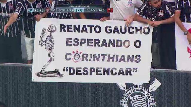 Há uns dias, Renato Gaúcho falou: 'Corinthians vai despencar'. Essa é a resposta do torcedor corintiano. O Timão vai despencar?#NossoFutebol