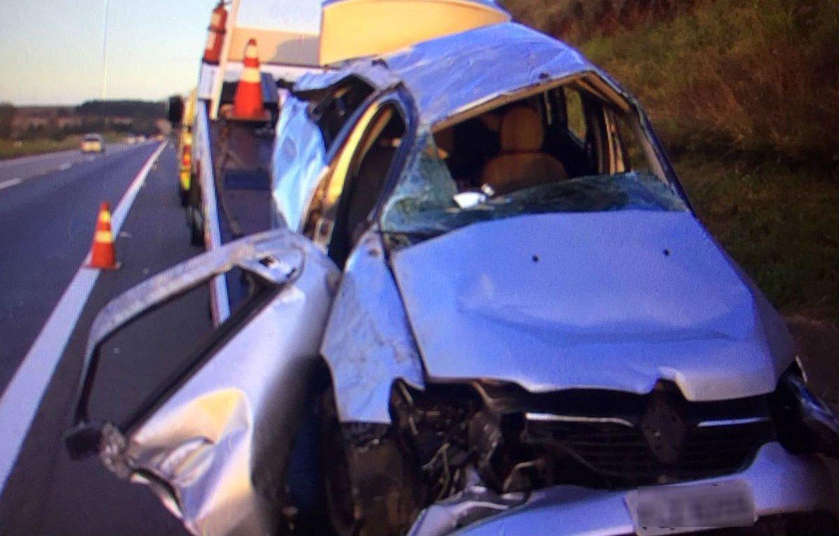 Filhos de técnico do Penapolense morrem em acidente de carro no interior de SP https://t.co/MLSUfWd6ps