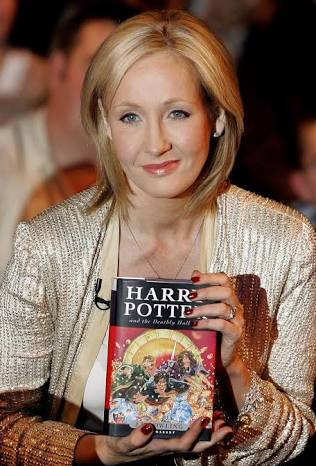 Happy birthday J.K Rowling We love you forever and wish you all the best! Thank you for the magic!