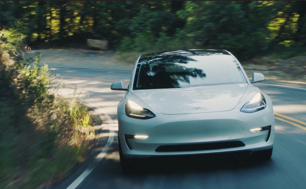 Tesla Model 3 To Crush BMW, Audi, Mercedes, Acura, Lexus, Jaguar, Toyota …Everyone https://t.co/LBDhzuXLa0 https://t.co/tTuqrG32BR