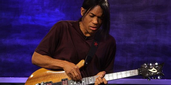 Happy Birthday to jazz/jazz fusion guitarist and pianist Stanley Jordan (July 31, 1959).