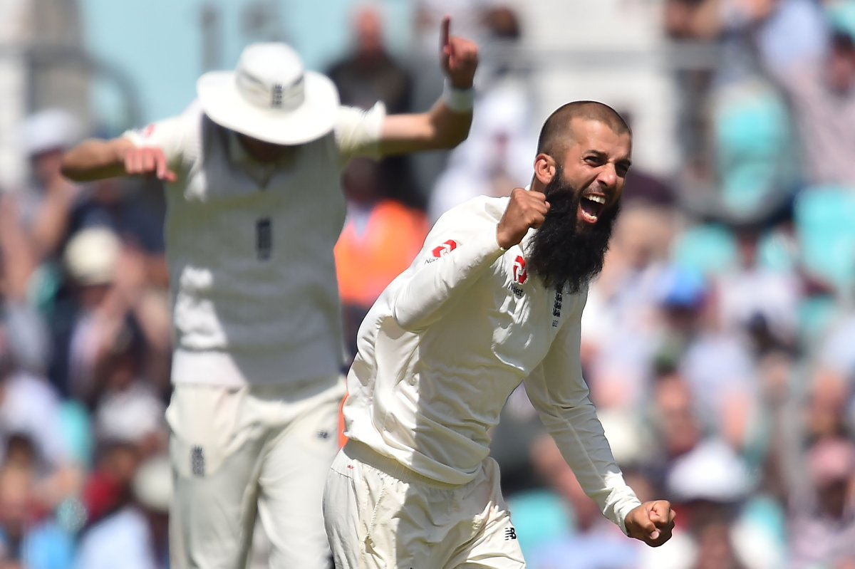 1 - Moeen Ali has just taken the first Test hat-trick ever at the Oval. Breakthroughs. #ENGvSA https://t.co/a5MdBMlj7t