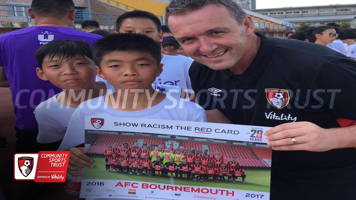 """AFCB Community on Twitter: """"#PLSKILLS - Head of Community Steve Cuss also handed out some @afcbournemouth posters to the school children!"""