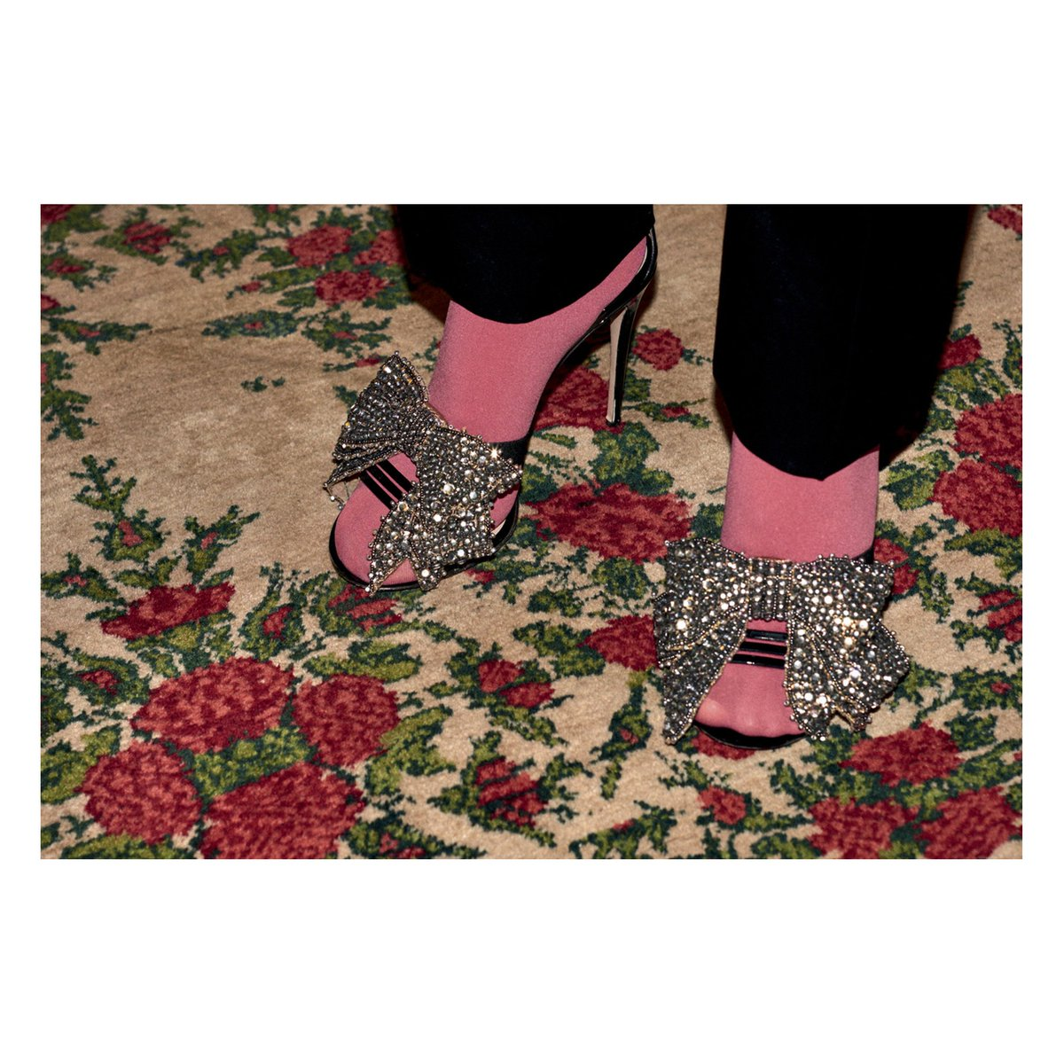 0a31bf5fe Removable crystal bows decorate leather sandals and satin boots and slides  from #GucciPreFall17 by #AlessandroMichele.pic.twitter.com/vm1i6SlAdc