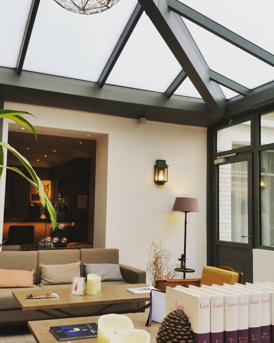 le littr hotel le littre twitter. Black Bedroom Furniture Sets. Home Design Ideas