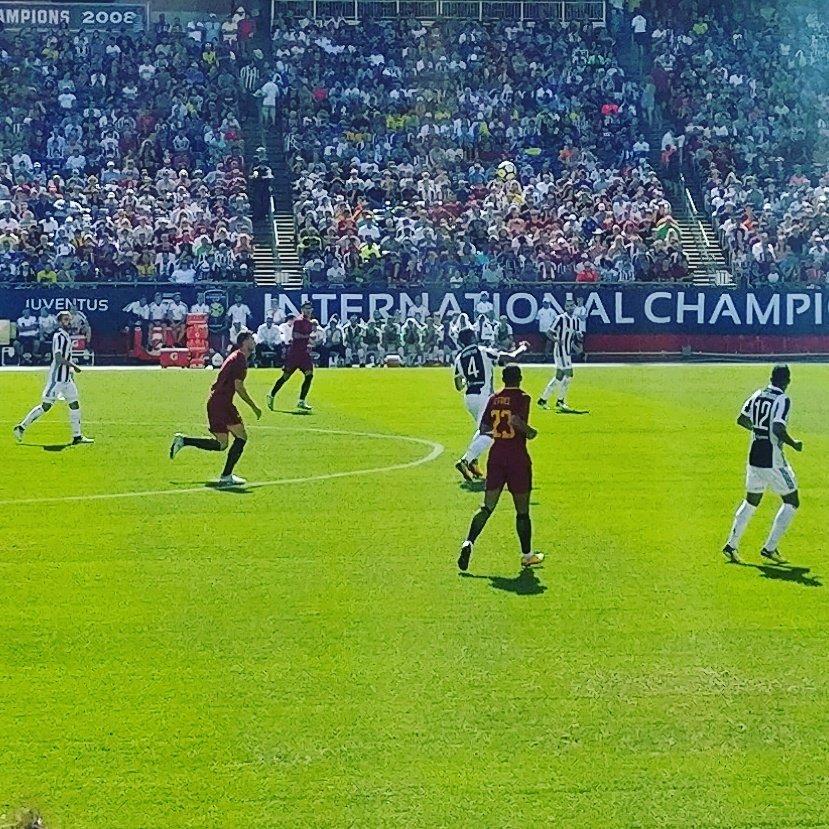 Pretty good seats yesterday, no?  #Juventus #ASRoma  #RomaJuve #JuventUStour #ICC2017<br>http://pic.twitter.com/JeGNmdHwiD