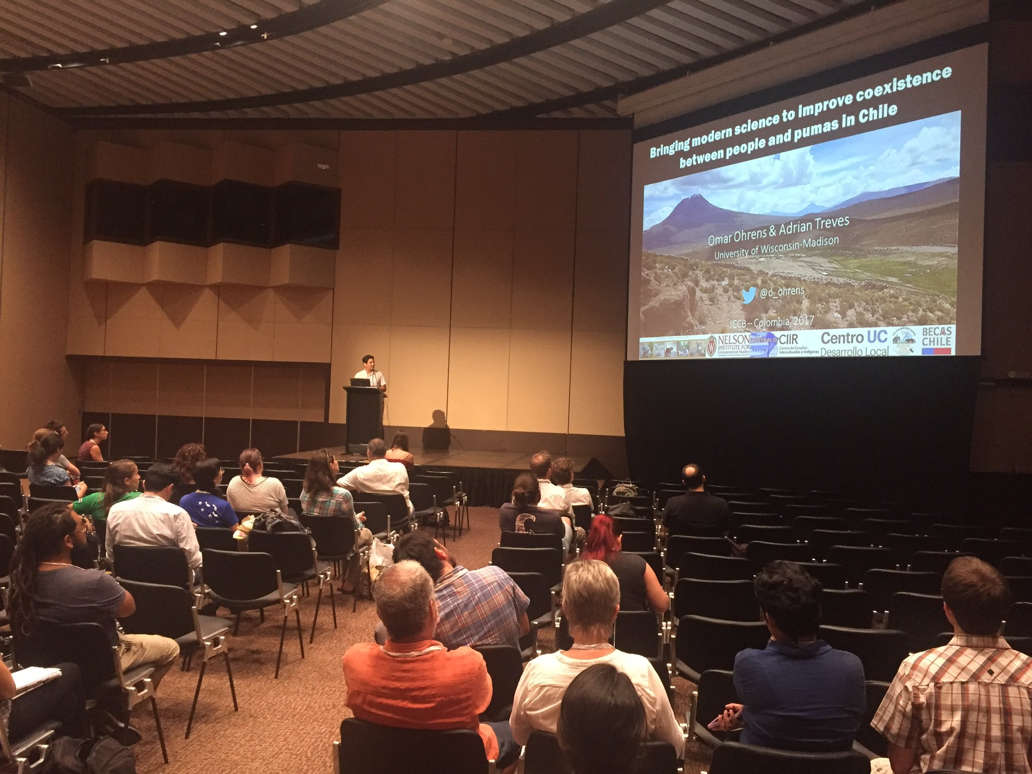 @o_ohrens gave a brilliant talk @ #ICCB2017 on how to integrate local perspectives for solving human-wildlife conflicts in the Andes https://t.co/D7l4bYCjzL