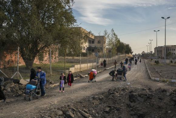 Mais de 800 mil pessoas continuam deslocadas de Mossul, diz agência da ONU.(📷 Acnur/Ivor Prickett/ONU) https://t.co/Bji5H5qdrF