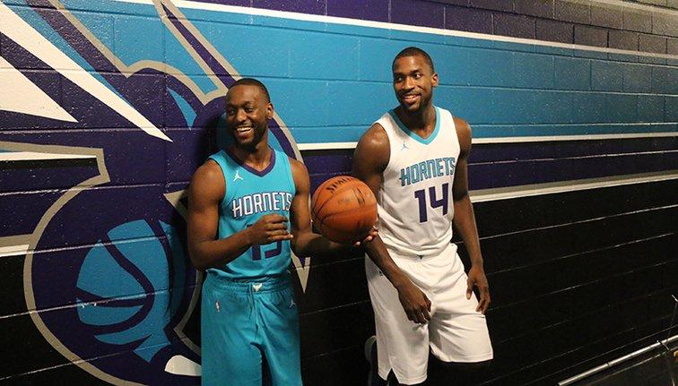 Charlotte Hornets presentó su camiseta Jordan para la temporada 2017/18 de la NBA
