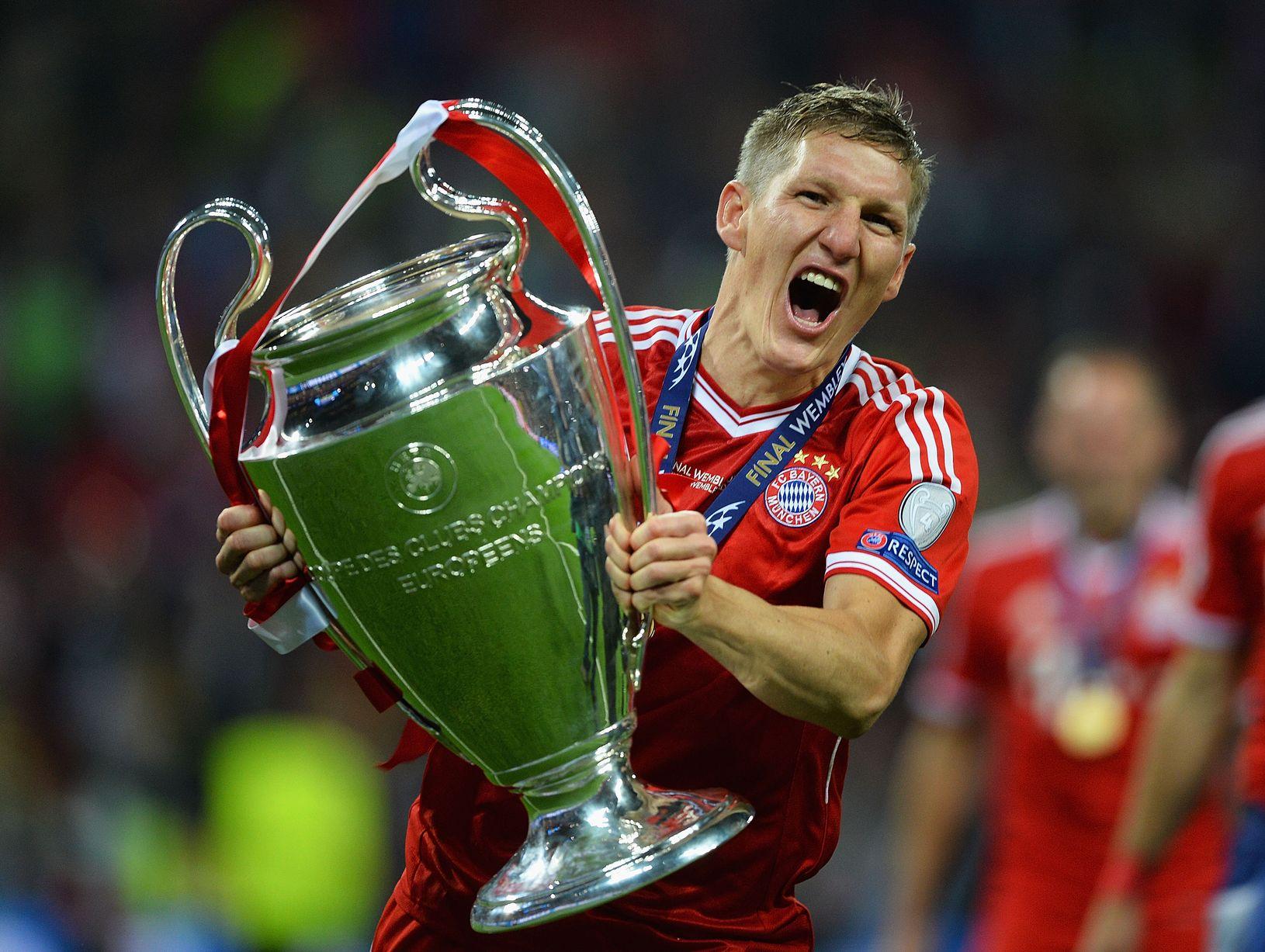 Happy 33rd Birthday to FC Bayern and Die Mannschaft legend Bastian Schweinsteiger!