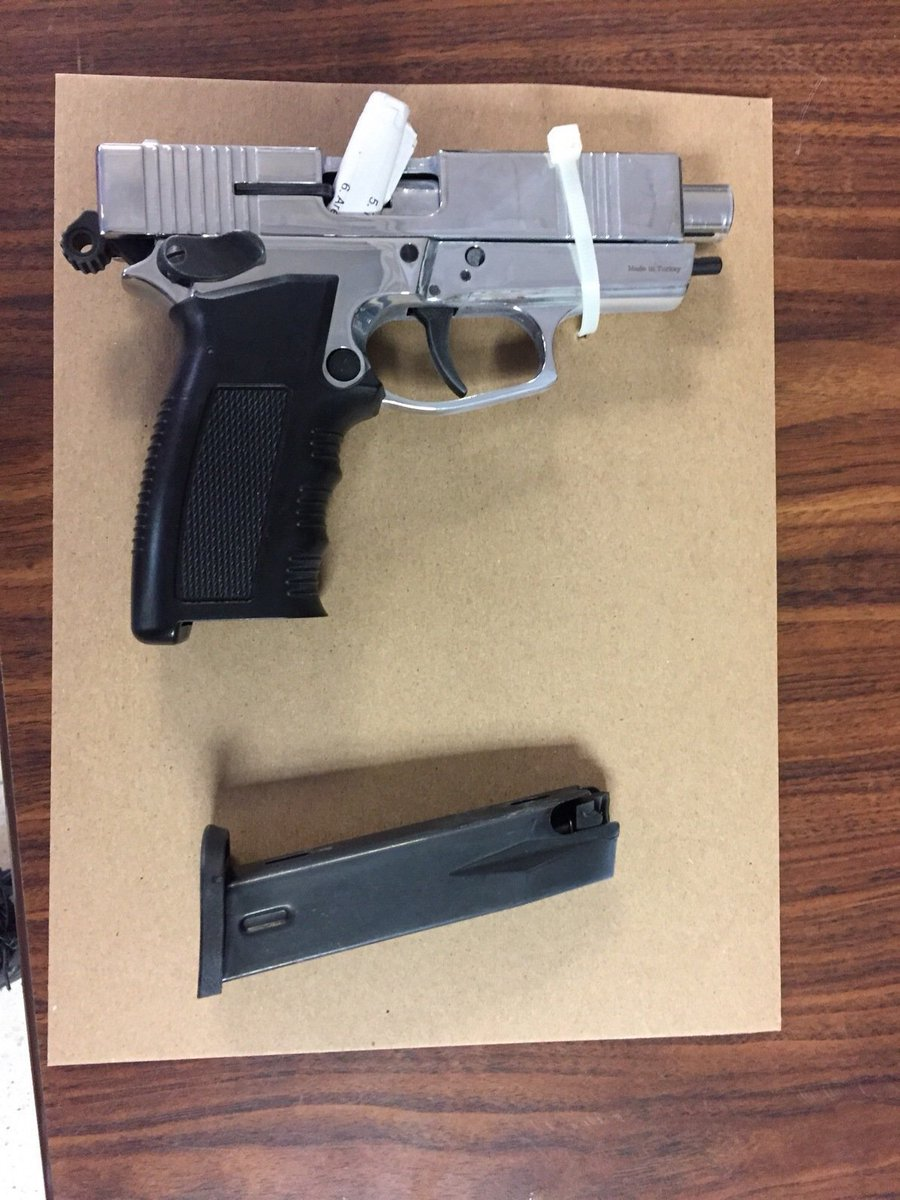 Robbery suspect arrested and an illegal gun recovered by @NYPD23Pct officers in #EastHarlem - that's #NYPDprotecting