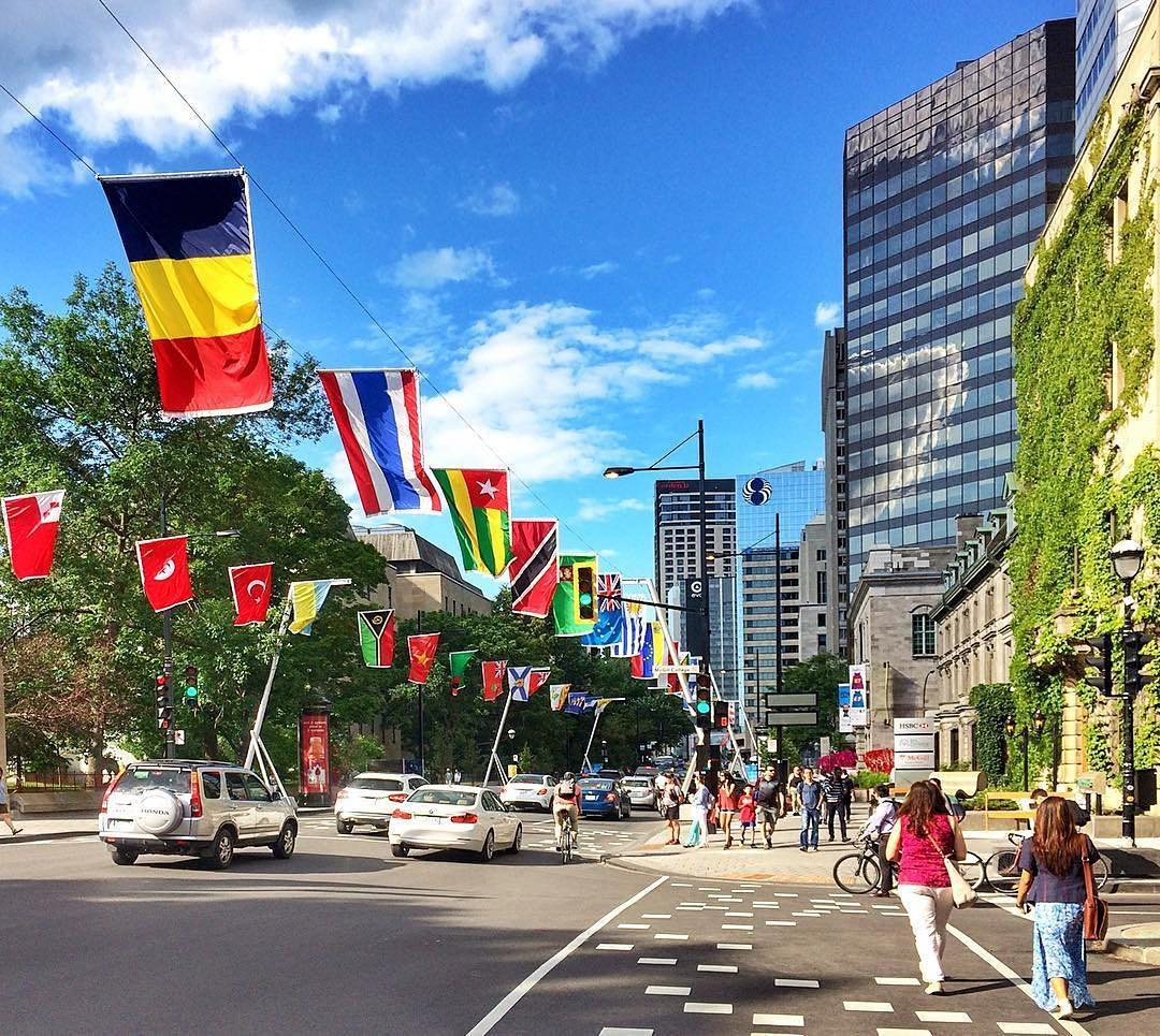 La Balade pour la #Paix continues until October 29th on Sherbrooke street.  Go check out the colorful #flags Photo @ Montreal via Instagram<br>http://pic.twitter.com/OclVlpQEn3