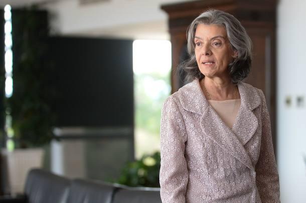 Juízes pedem 41,3% de aumento a Cármen Lúcia https://t.co/NFFnSn2TKv