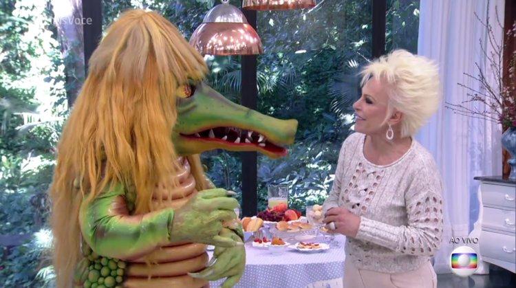 Ana Maria recebe a Cuca, personagem do 'Sítio do pica-pau amarelo' https://t.co/tsYI1czhVm
