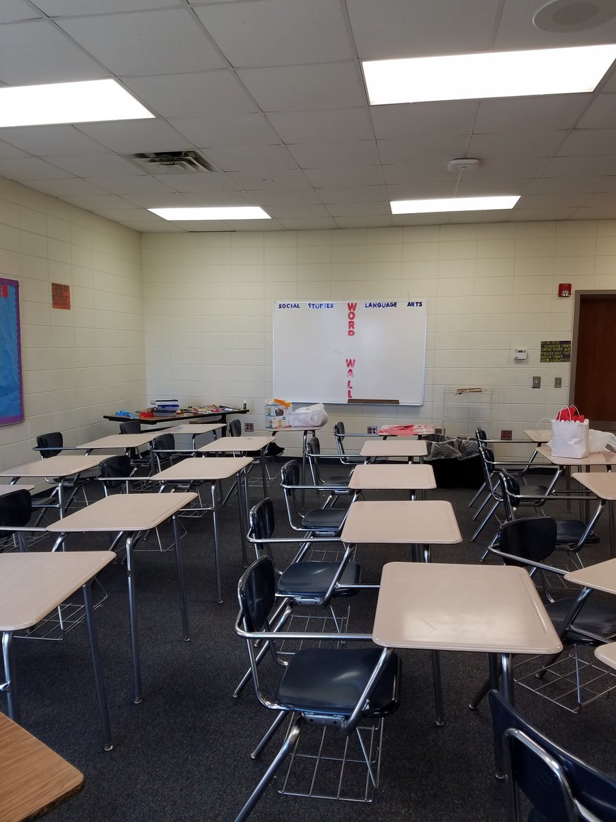 Tamala Malerk On Twitter Classroom Decorating Work In Progress 7thgrade Socialstudies Ela Bebcms