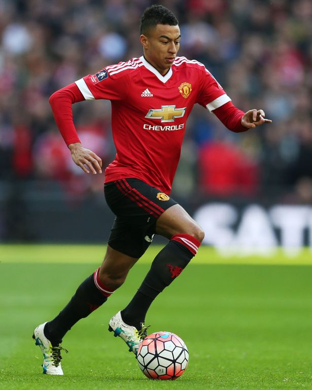 Manchester United and Tottenam are in talks with £24 Million Euro deal for Jesse Lingard. #ManchesterUnited #Tottenam <br>http://pic.twitter.com/P16bw9AVFp
