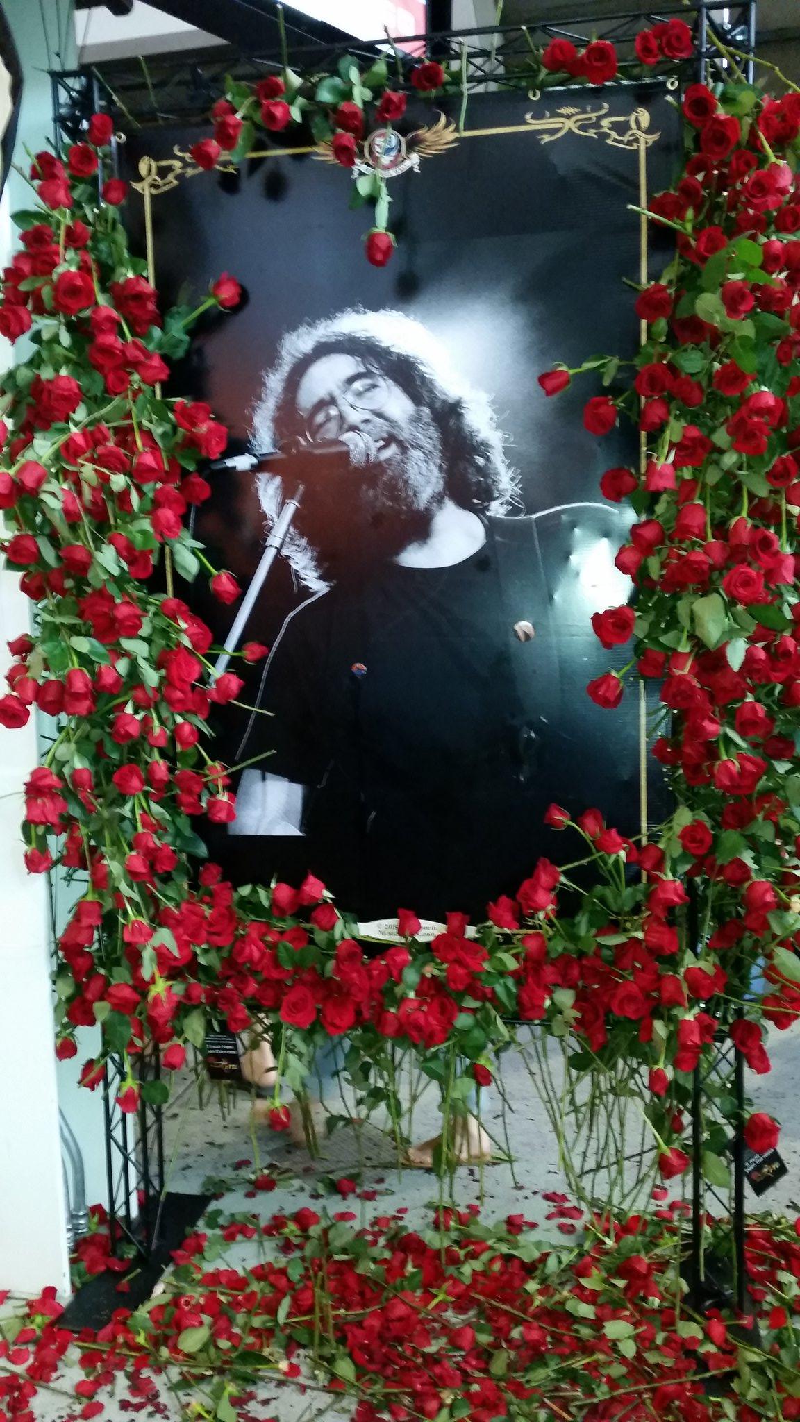Happy 75th Birthday to Jerry Garcia!