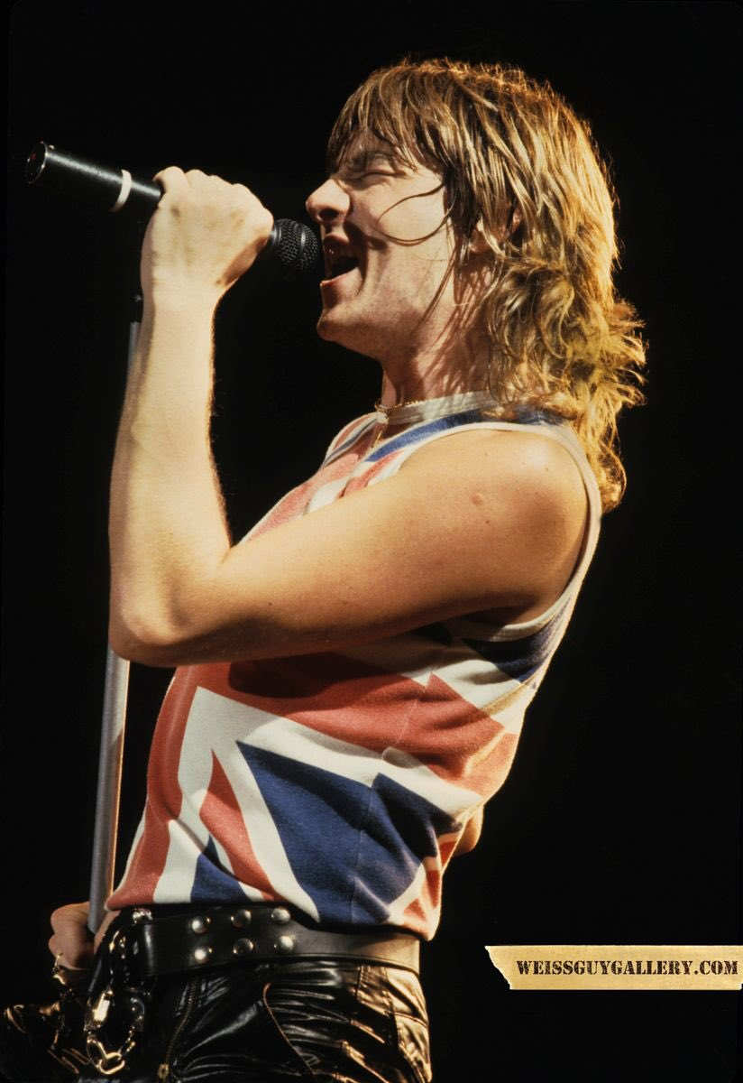 DefLeppard from all of us at we say Happy BDay to Joe Elliott. WSDIRadio FM Chicago