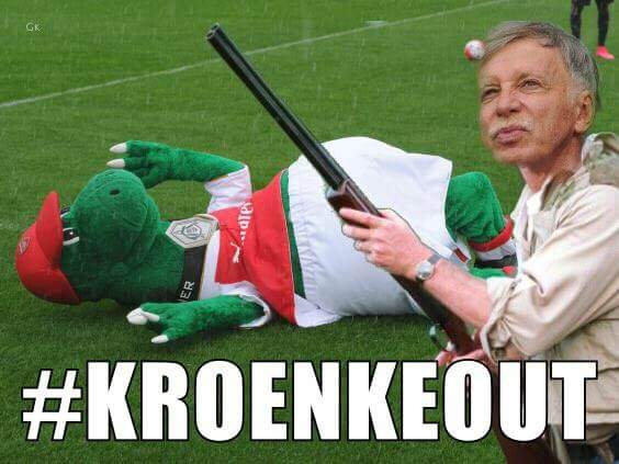 @Arsenal time for #kroenke to step down me thinks. #KroenkeOut #afc #usmanov <br>http://pic.twitter.com/vaVNHU4JwN