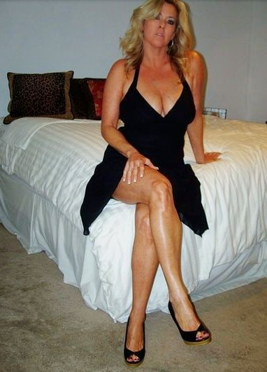 middlebury center milf personals Middlebury vermont swingers swingtownscom is the friendliest middlebury adult dating service on the net and has brought lots of couples together from the area.
