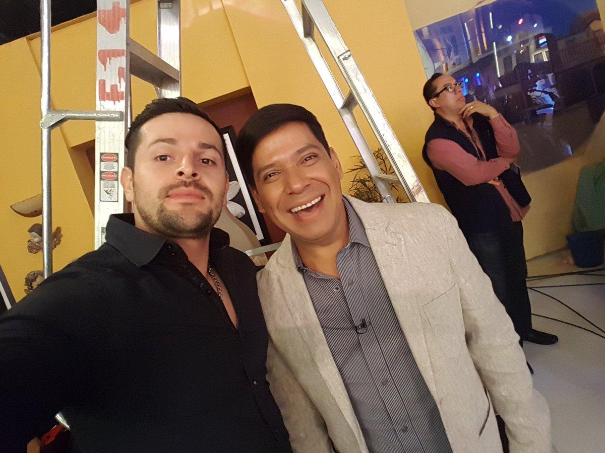 @ikerbash @costenoaca #exelentepersona #simpatico @Televisa  @TD_Deportes @NTelevisa_com  @TelevisaTVmx @Televisa_Prensa #galanes #trabajo https://t.co/BTFEMEZWRZ