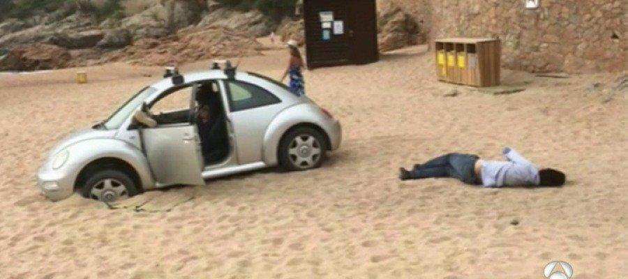 ▶ La Policía multa a un conductor que aparcó el coche en plena playa, en Girona https://t.co/R8QdXQU9AW https://t.co/juORLnCaSc