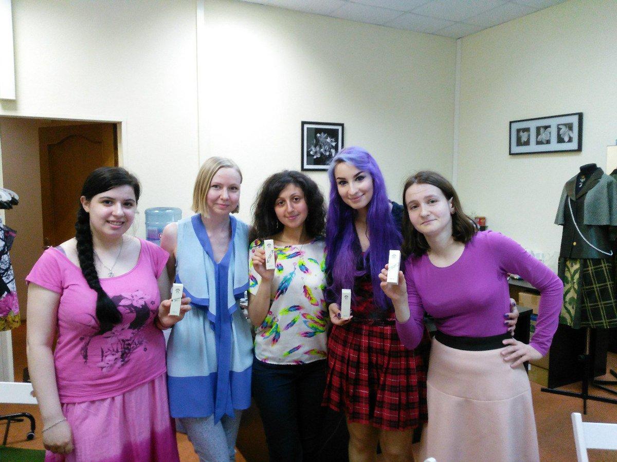 Цветочки Brides group sexy girls play instrumental music
