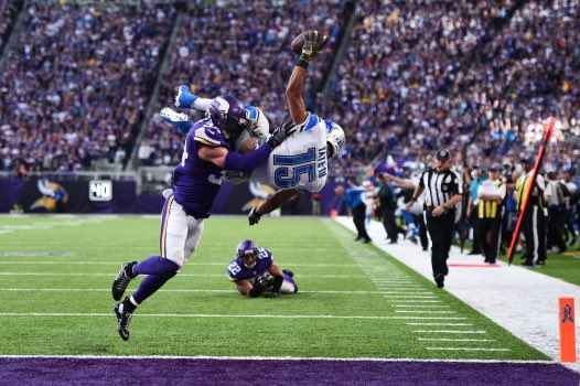 Happy 29th birthday to Golden Tate. Isn\t this pic amazing!