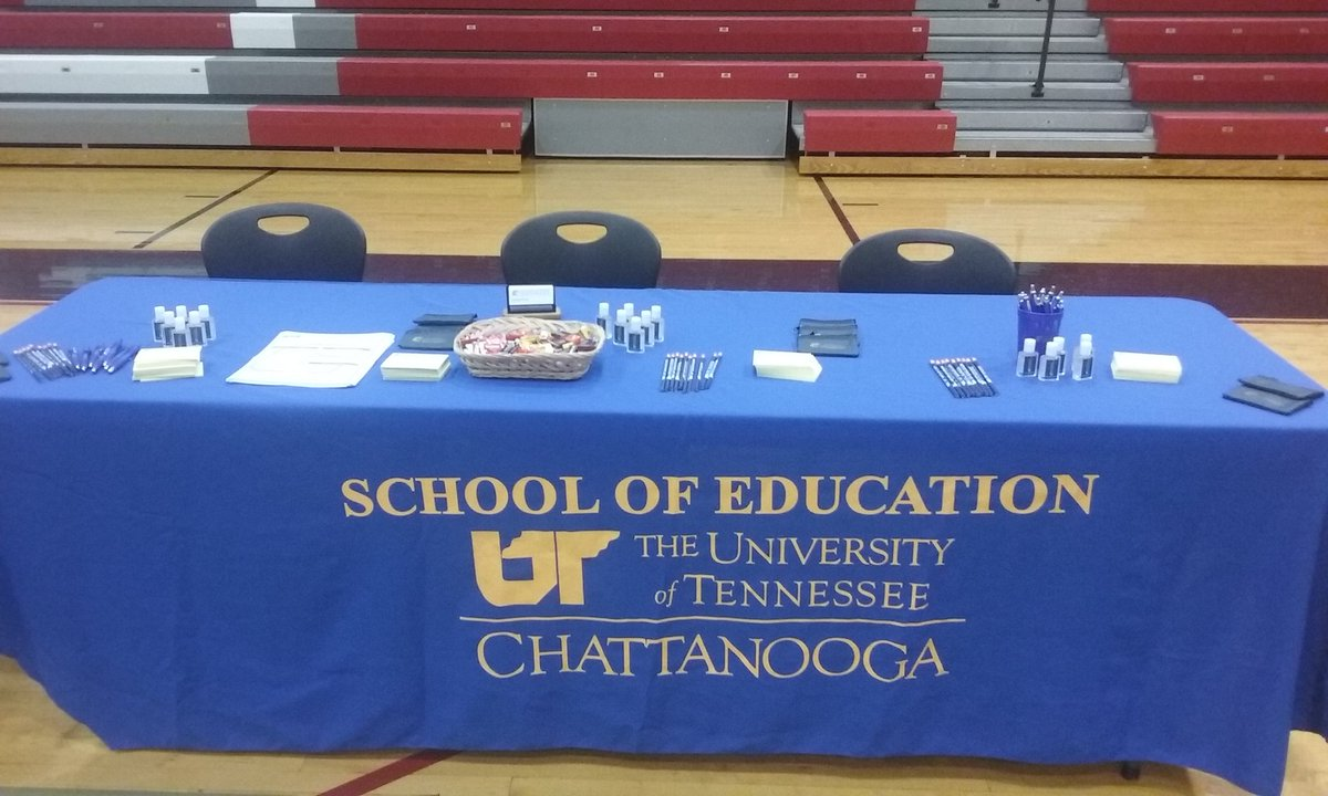 We are at Whitwell MS this morning for their teacher expo! #utc #med #eds #endorsements <br>http://pic.twitter.com/r3QDdxY2xU