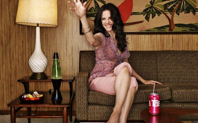Happy Birthday to Mary-Louise Parker, who turns 53 today!