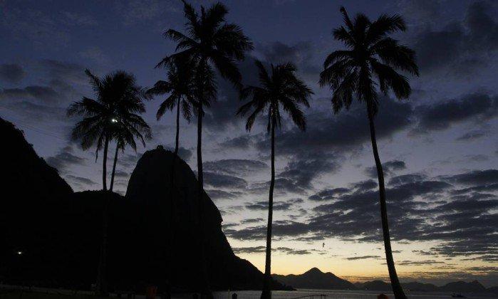 Meteorologia prevê chuva a partir da noite de quinta-feira no Rio. https://t.co/sDruHi37FQ