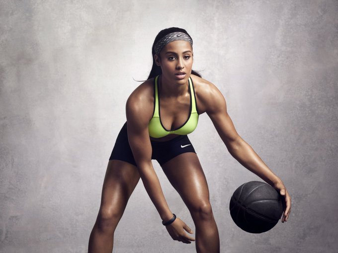 Happy Birthday to Skylar Diggins who turns 27 today!