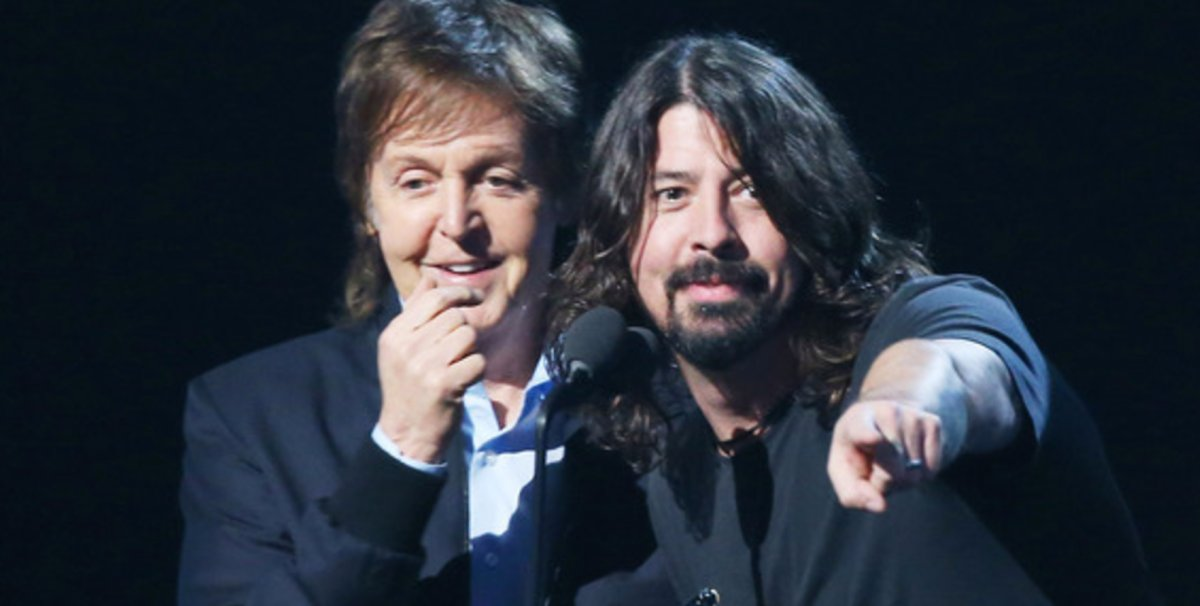 Paul McCartney plays drums on Foo Fighters' new album https://t.co/Ss9FlNkf7o #foofighters https://t.co/lYiQ7qNeQ4