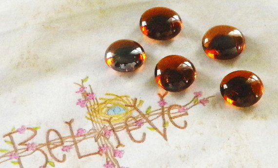 Set of 5 Decorative Pushpins Amber Glass Top Thumbtacks-Colorful Pus…  http:// etsy.me/2sceXTk  &nbsp;   #countrychic #PushPins <br>http://pic.twitter.com/nTTiaRbOBE