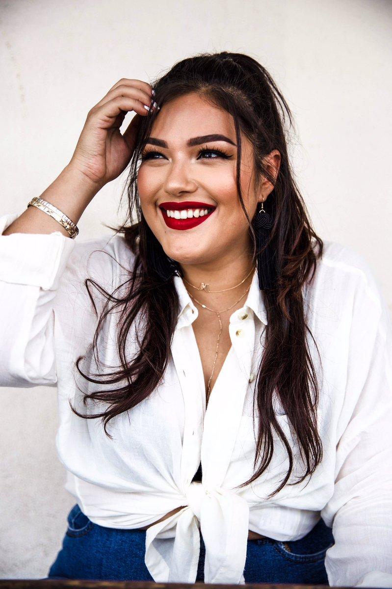 Juliana Lopez (@hoolianalopez)