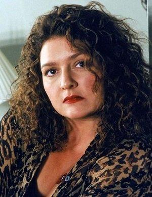 Aida Turturro, aka Janice dans #LesSoprano, rejoint le #casting de #TheBlacklist https://t.co/sdnYxHTdNY