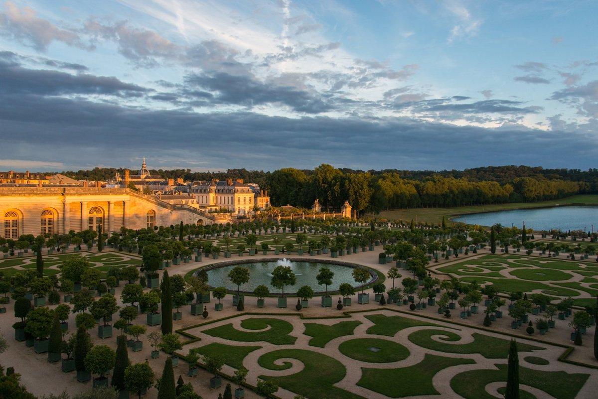 Chateau De Versailles On Twitter Soir D Ete Dans Les Jardins De