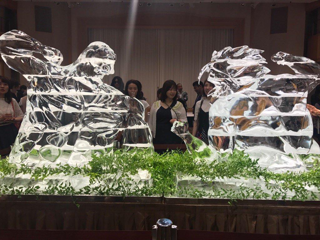 巨人の氷像 https://t.co/ioRLrprkvY