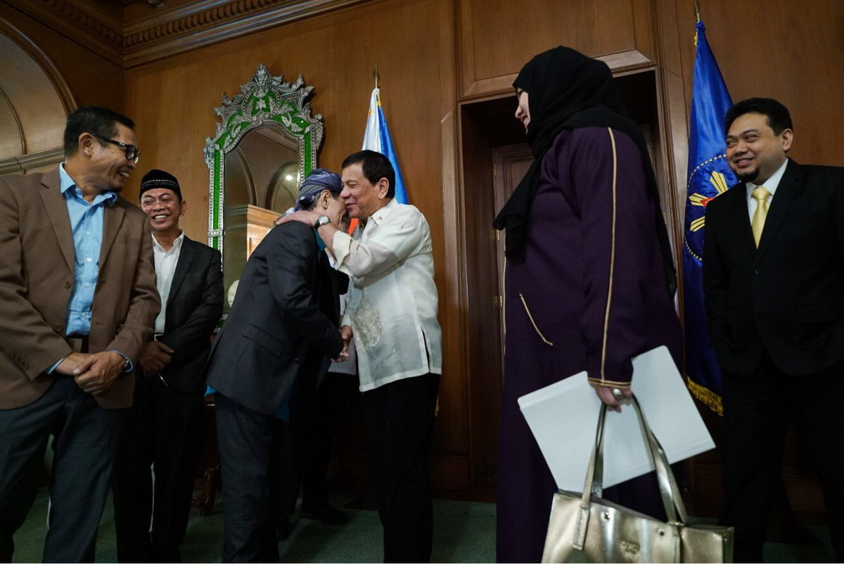 nur misuari founding leader and Mnlf, reds vs maute misuari  mnlf spokesman absalon cerveza said founding chairman nur misuari  a veteran filipino militant regarded as the local leader.