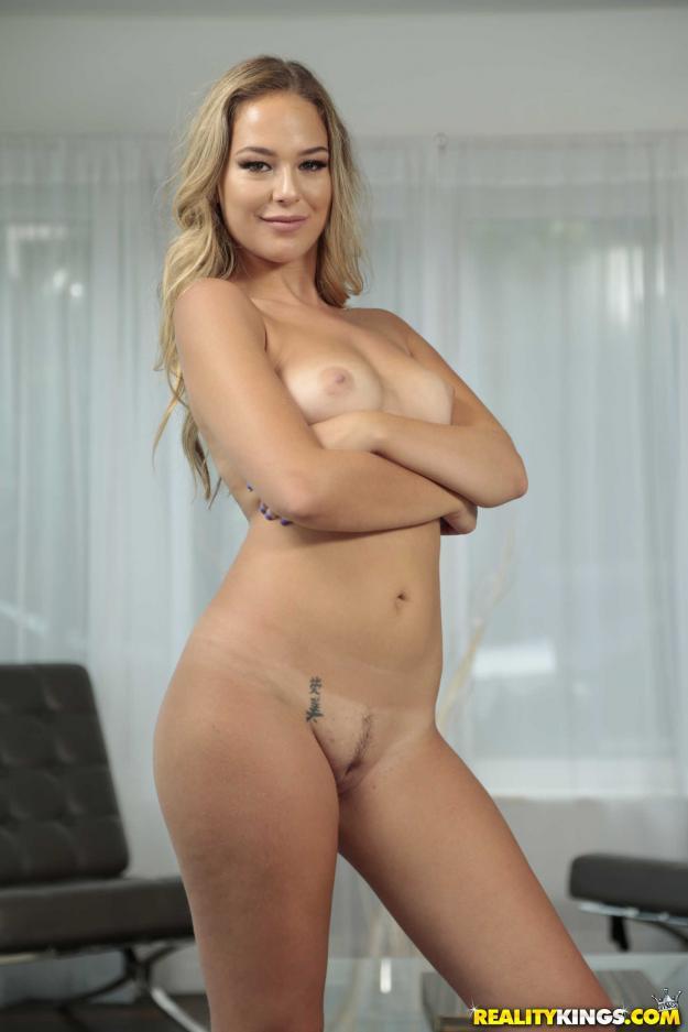 Nicolette Love Porn Pics