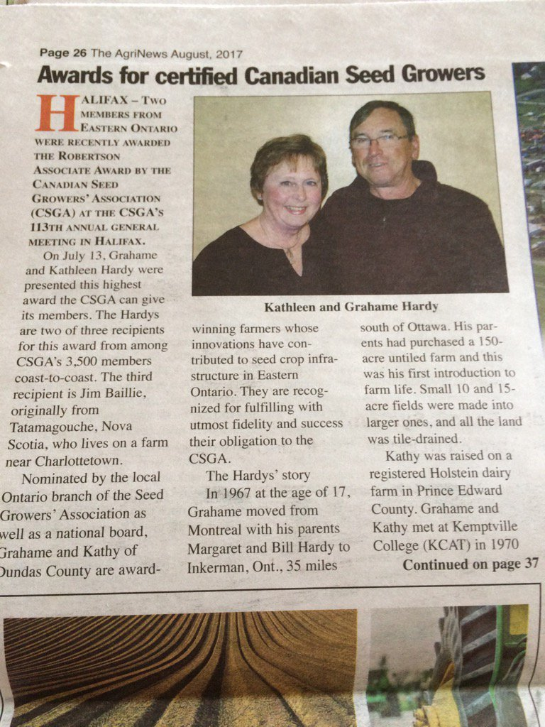 Congratulations Grahame and Kathy Hardy - highest award the Cdn Seed Growers can give its members #goodpeople #ontag https://t.co/4CSIxFU9A4