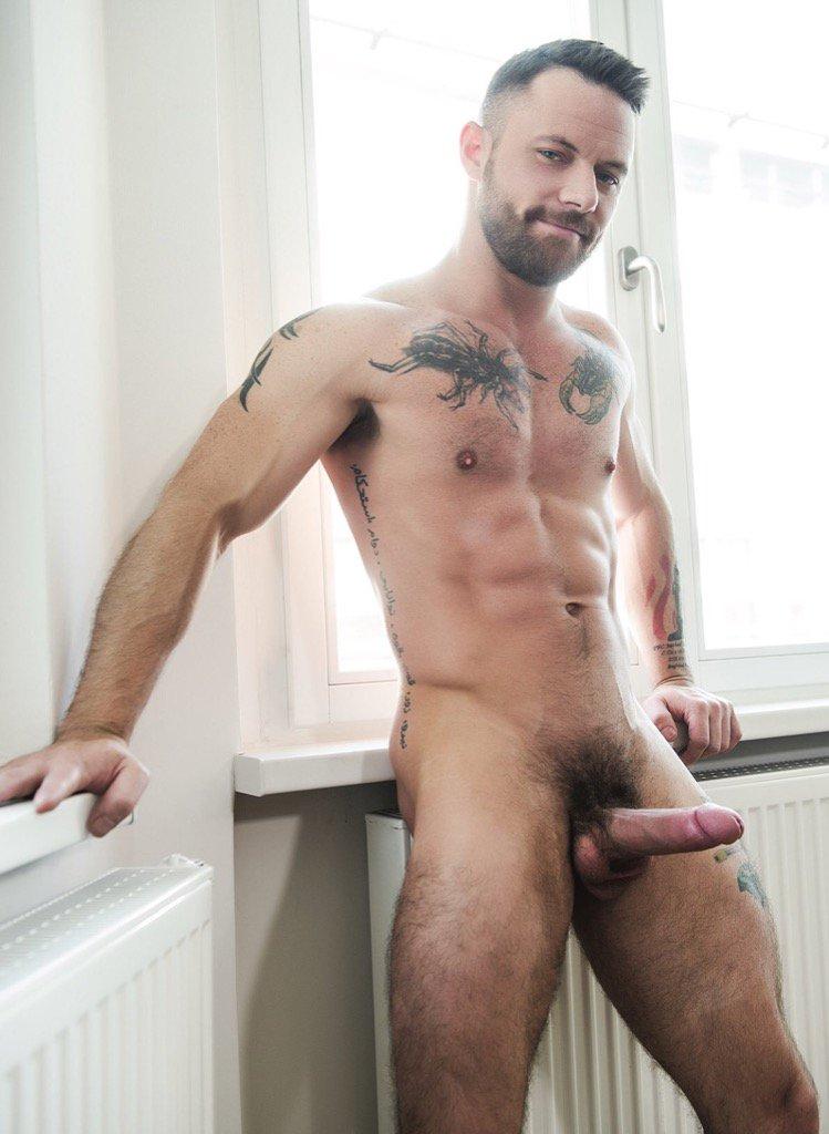 http://Hunkyguyspics.tumblr.com 😈 #hunk #hunky #hot #handsome #hairy