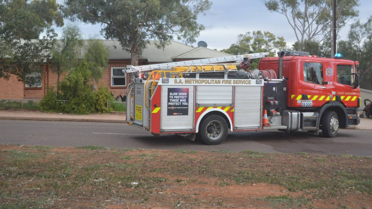 Working smoke alarms save Port Augusta family from an afternoon house fire that started in a bedroom. #GoodNews https://t.co/vW8Gr97kPm